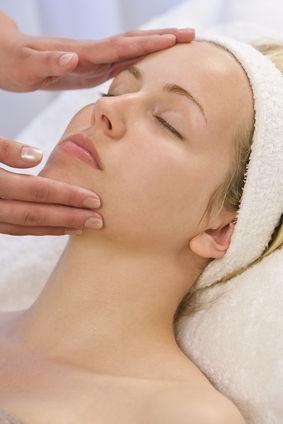 Sięgnij po profesjonalne oczyszczanie twarzy