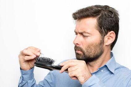 Zestaw do pielęgnacji brody- kosmetyki, które można znaleźć w większości drogerii